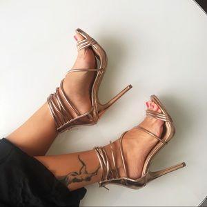 ❤️SOLD❤️$120 Steve Madden rose sandals size 6 / 36